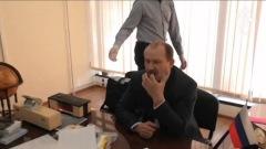 При задержании замдиректора Россельхознадзора подавился, пытаясь съесть улику