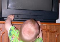 Двухлетнего малыша искалечил упавший на него телевизор из-за недосмотра взрослых
