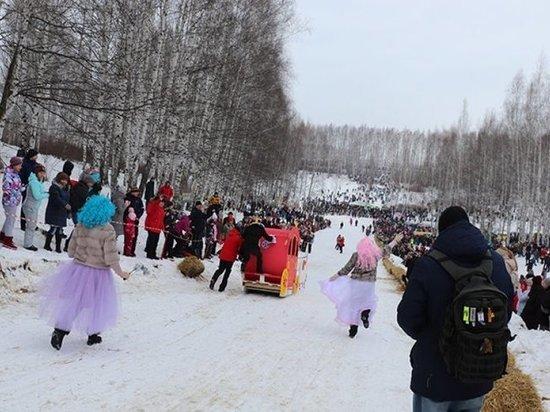 Тамбовчанин сделал предложение на фестивале «Лысогорские санки»