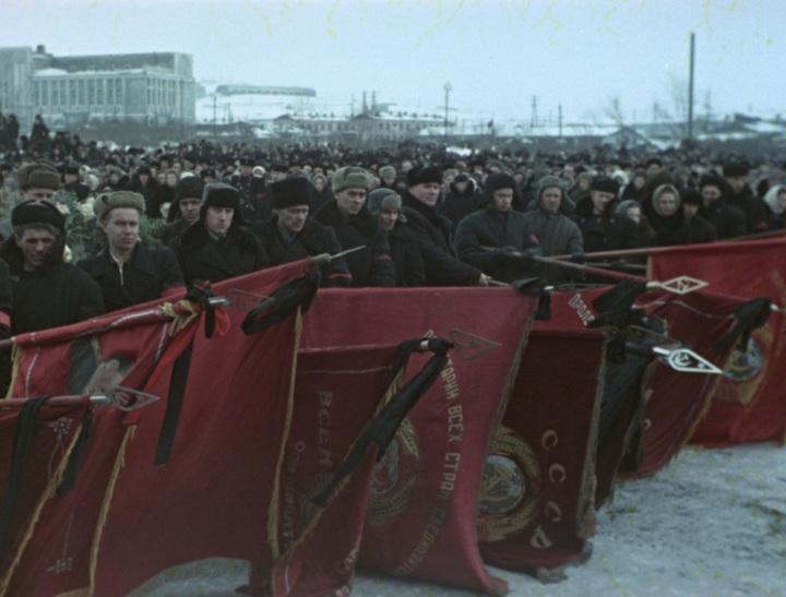 Фильму Лозницы о похоронах Сталина не выдают прокатное удостоверение