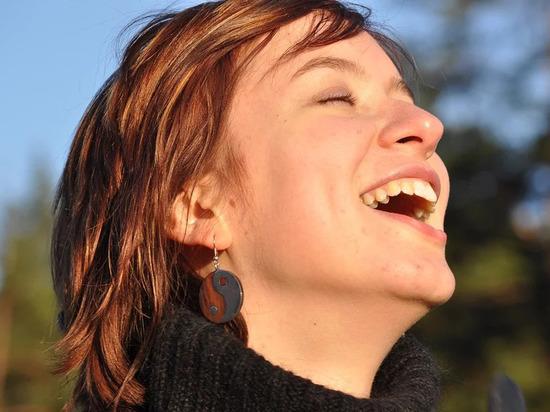 Ученые раскрыли, в каком возрасте человек абсолютно счастлив