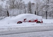 Снегопад парализовал дороги Хакасии