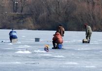 Один рыбак утонул, а второго чудом вытащили спасатели на реке Никожель Чеховского района Московской области