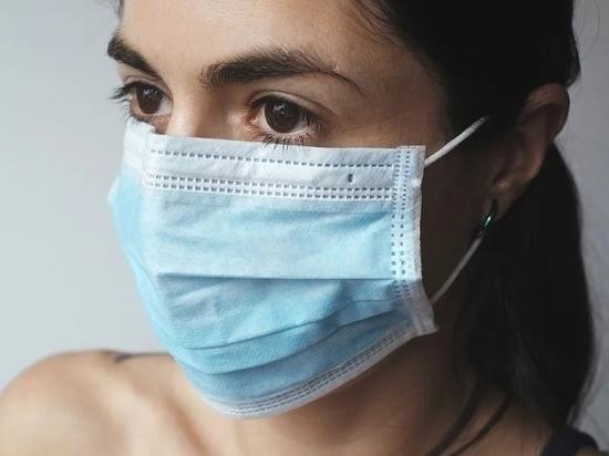 Псковские фармацевты о медицинских масках: ни себе, ни людям