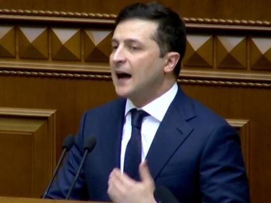 """Зеленский назвал свое президентство """"затыканием дыр"""""""