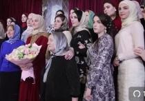 Дочь Кадырова получила медаль за заслуги перед Чеченской республикой