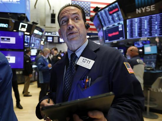 Биржевые торги остановлены после 5-процентного обвала индекса S&P 500