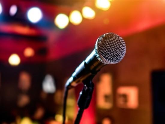 Пять женщин подрались 8 марта из-за микрофона в караоке-клубе