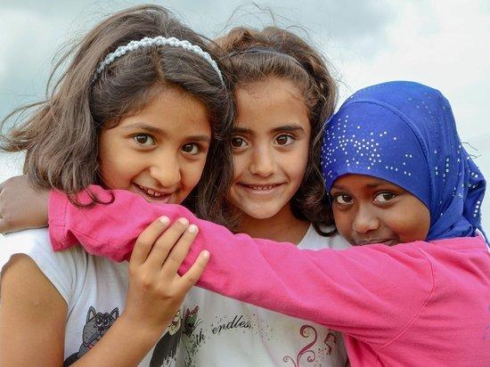 Германия примет детей-беженцев из лагерей в Греции