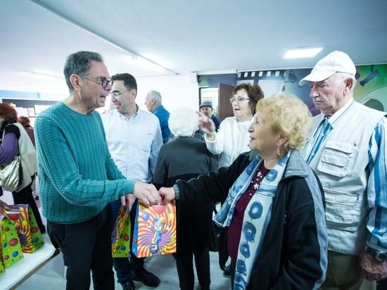 Клеймс Конференс поздравила переживших Холокост с праздником Пурим