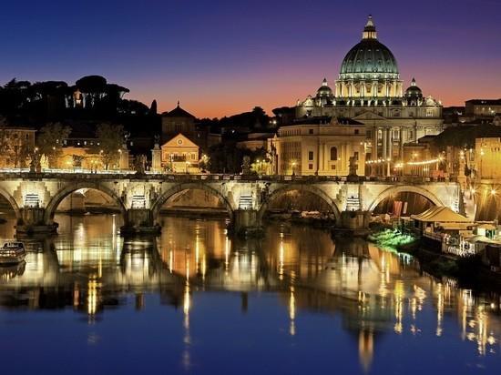 Ватикан закрыл собор Святого Петра из-за коронавируса