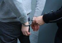 В городе Клинцы Брянской области избили и ограбили девушку