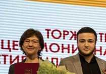 Губернатор Ставрополья вручил удостоверение стипендиата студенту СКИ РАНХиГС