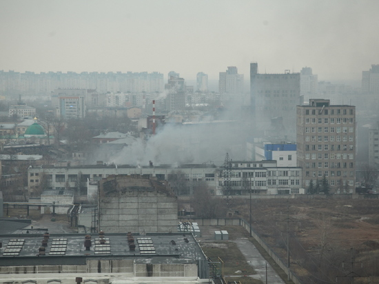 Завод загорелся утром 12 марта на ул. Интернациональной в Нижнем
