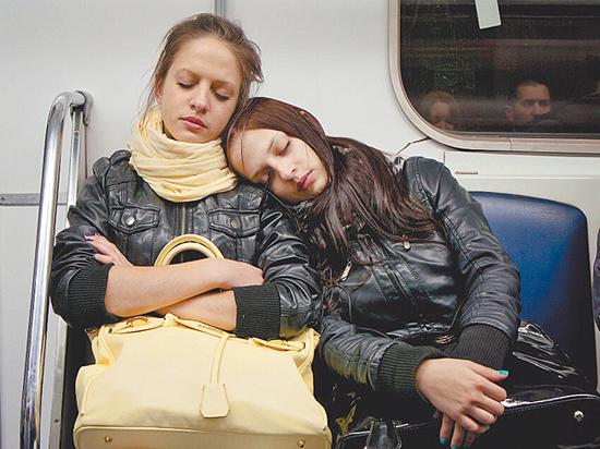 Специалист назвал продукты, помогающие и мешающие здоровому сну