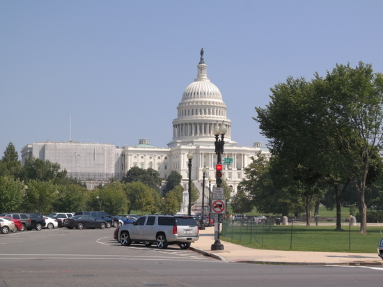 Конгресс США прекратил работу из-за коронавируса