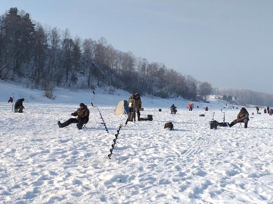 Зимняя рыбалка  в Кузбассе: где и как лучше ловится