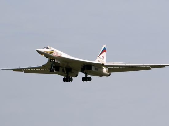Российские Ту-160 выполнили 15-часовой полет над Атлантикой