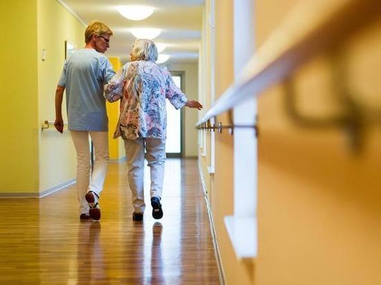 Рекомендации для пожилых людей и граждан с ослабленной иммунной системой во время эпидемии коронавируса в Германии