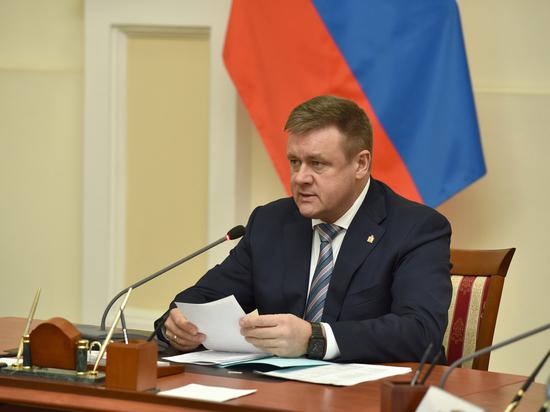 Среди основных достижений рязанского правительства Любимов отметил работу минцсоцзащиты. Видео