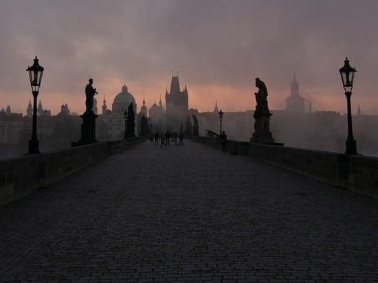 Чехия полностью закрывает границу из-за коронавируса