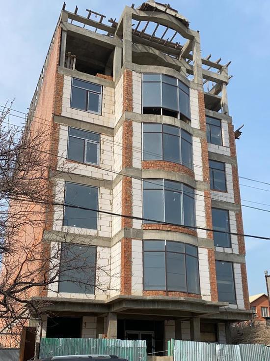 В Махачкале снесут шестиэтажный дом