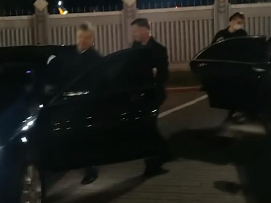 Порошенко досрочно вернулся на Украину