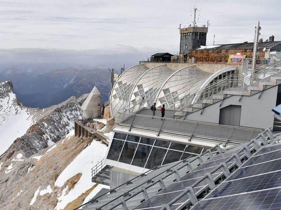 Коронавирус в Германии: Баварские и австрийские лыжные курорты закрываются