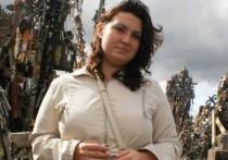 Обвиняемой в шпионаже из-за свадебных фото россиянке не дают сделать биопсию