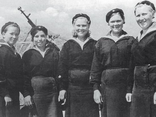 Как воевал единственный в ВМФ корабль с женским экипажем
