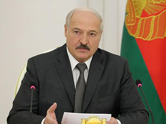 """Лукашенко отказался закрывать границу с Россией: """"Фуры будут до Кремля"""""""