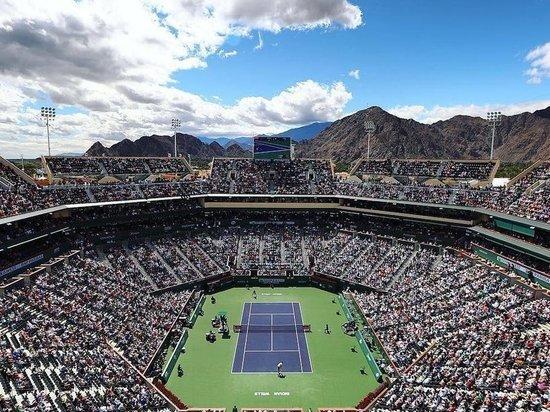 """""""Просто безумие"""": теннисисты остались без турниров, денег и будущего"""