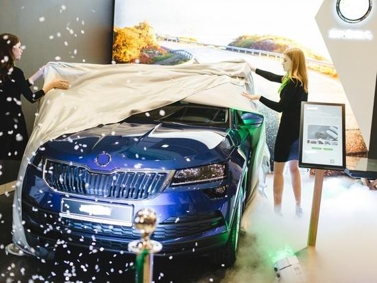 Автодилеры Петербурга из-за кризиса прогнозируют дефицит автомобилей