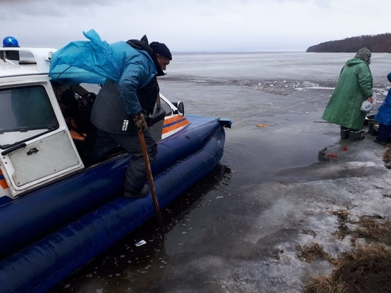 В Ивановской области с оторвавшейся льдины спасли 24 рыбака