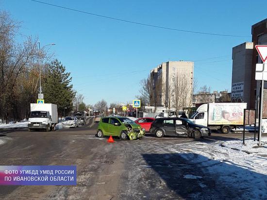 В Иванове произошла авария, после которой одному из водителей потребовалась госпитализация