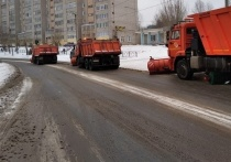 Дорожники Кирова усилили борьбу с выпавшим снегом