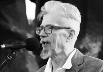 Главред «Учительской газеты» Арслан Хасавов, который был близким другом Эдуарда Лимонова и называл его своим наставником, рассказал о последних месяцах жизни 77-летнего писателя
