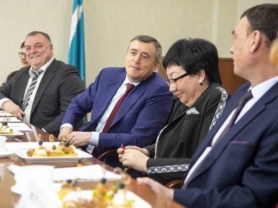 На Сахалине власти обсудили поправки к конституции