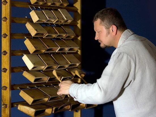 Скрабалай, играй, играй! Премьера уникального литовского инструмента в Алматы