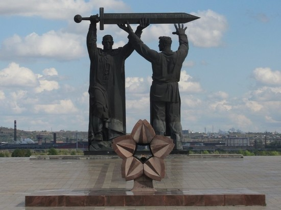 За надругательства над памятниками Великой Отечественной будут сажать