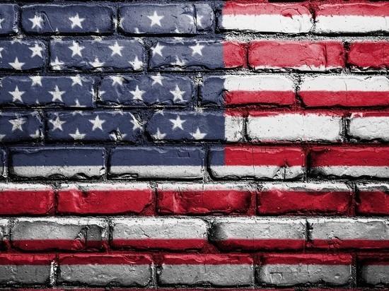 США остановили выдачу виз в большинстве стран мира