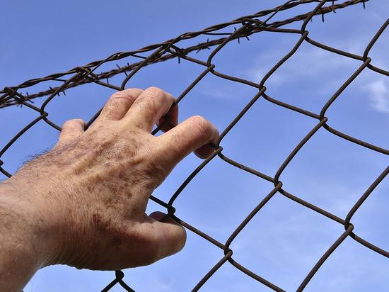 Осуждённым в Архангельской области накинули срок за побои сотруднику колонии