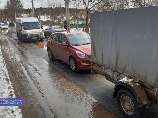 Еду, как хочу: в Иванове произошло тройное столкновение автомобилей
