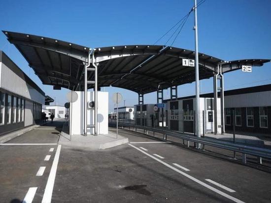 Аксенов: после закрытия границы с Украиной пассажиропоток уменьшился с десять раз