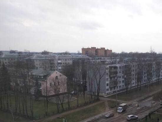 Псковичи о специфическом запахе из-за ремонта крыш: Нас травят