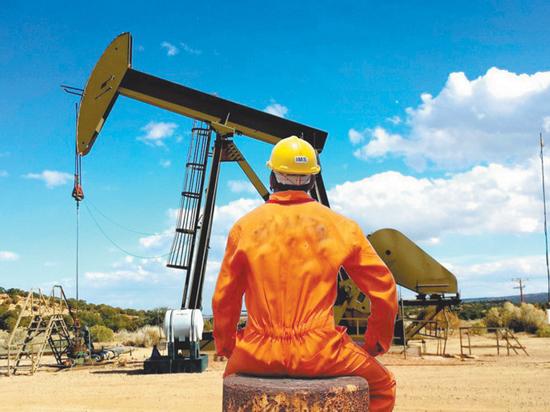 """Ценам на нефть предрекли дальнейшее снижение: """"Ситуация может ухудшиться"""""""