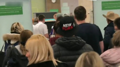 В Красноярске прилетевшие из Азии штурмом взяли аэропорт: видео