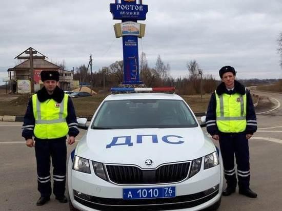 В Ростове сотрудники ДПС вошли в горящий дом, чтобы спасти людей