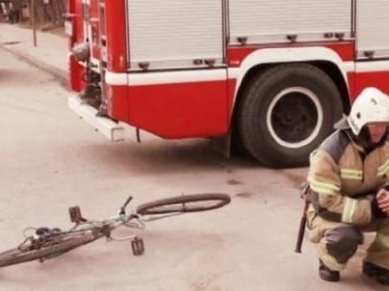 В Калуге автомобиль сбил подростка на велосипеде