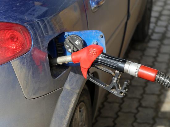 Эксперты оценили цены на бензин: 50 рублей москвичей пересадят на автобус